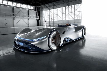 2018 Mercedes-Benz Vision EQ Silver Arrow concept 1