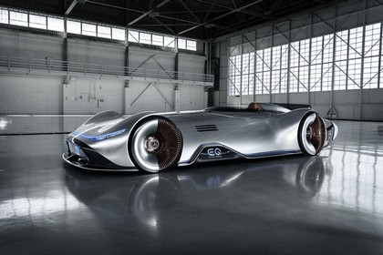 2018 Mercedes-Benz Vision EQ Silver Arrow concept 2