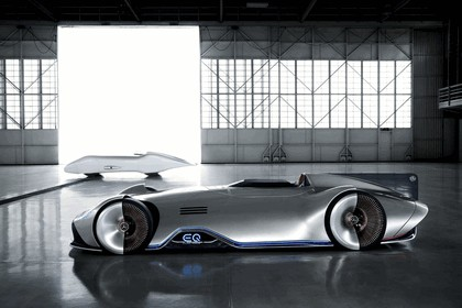 2018 Mercedes-Benz Vision EQ Silver Arrow concept 3