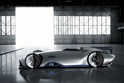 2018 Mercedes-Benz Vision EQ Silver Arrow concept 4