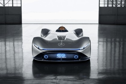 2018 Mercedes-Benz Vision EQ Silver Arrow concept 8