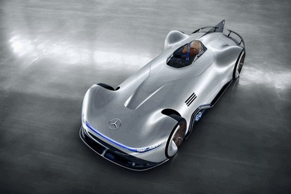 2018 Mercedes-Benz Vision EQ Silver Arrow concept 10