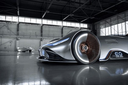 2018 Mercedes-Benz Vision EQ Silver Arrow concept 11