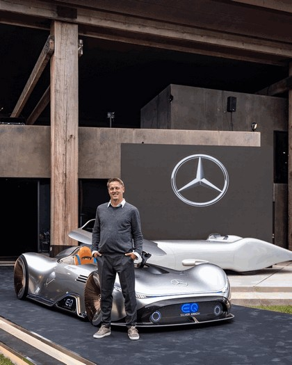 2018 Mercedes-Benz Vision EQ Silver Arrow concept 33