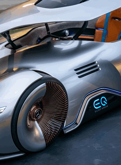 2018 Mercedes-Benz Vision EQ Silver Arrow concept 40