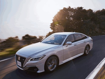 2018 Toyota Crown RS Advance 8