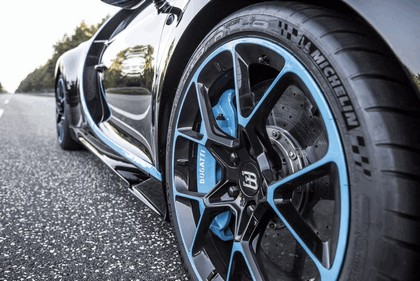 2017 Bugatti Chiron ( 0-400-0 ) 14
