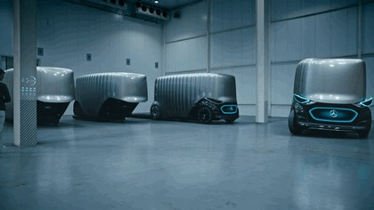 2018 Mercedes-Benz Vision Urbanetic concept 7