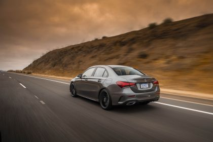 2018 Mercedes-Benz A220 4Matic sedan - USA version 9