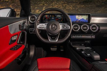 2018 Mercedes-Benz A220 4Matic sedan - USA version 31
