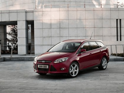 2010 Ford Focus station wagon 1