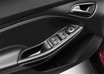 2010 Ford Focus station wagon 10
