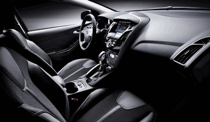 2010 Ford Focus station wagon 12