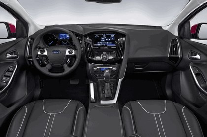 2010 Ford Focus station wagon 13