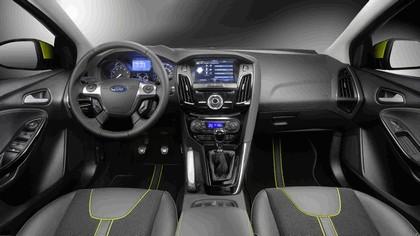 2010 Ford Focus station wagon 17