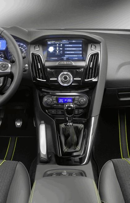 2010 Ford Focus station wagon 18