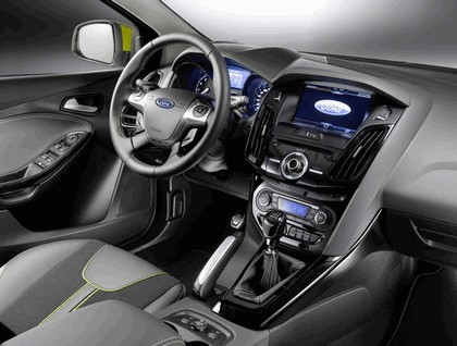 2010 Ford Focus station wagon 19