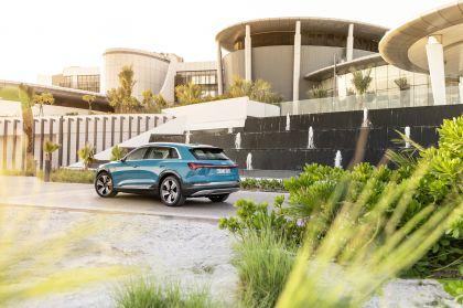 2019 Audi e-Tron 37