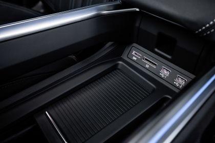 2019 Audi e-Tron 104