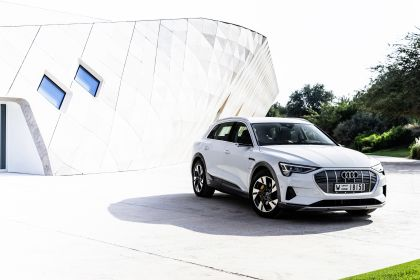 2019 Audi e-Tron 173