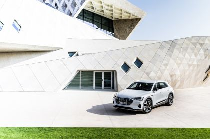 2019 Audi e-Tron 176