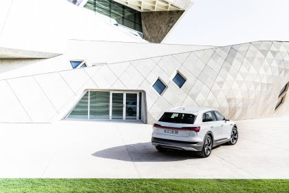 2019 Audi e-Tron 177