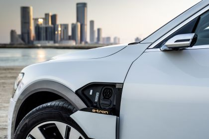 2019 Audi e-Tron 178