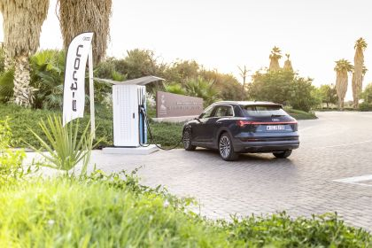 2019 Audi e-Tron 256