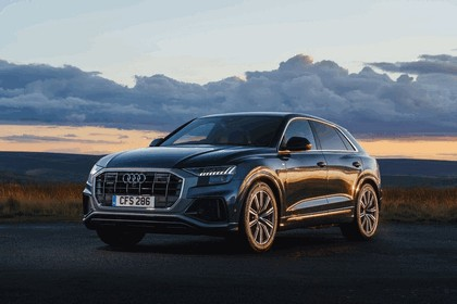 2019 Audi Q8 - UK version 1