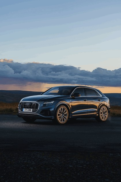 2019 Audi Q8 - UK version 3