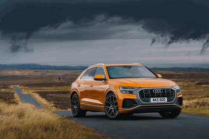 2019 Audi Q8 - UK version 26