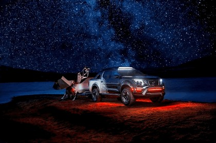 2018 Nissan Navara Dark Sky concept 20