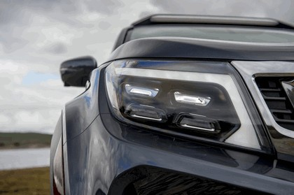 2018 Nissan Navara Dark Sky concept 24