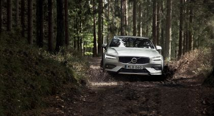 2018 Volvo V60 Cross Country 8