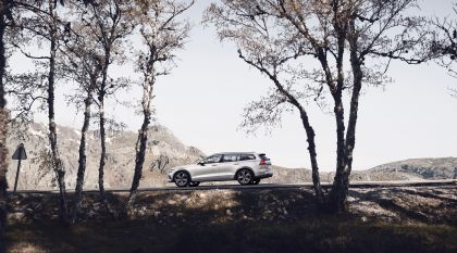 2018 Volvo V60 Cross Country 18