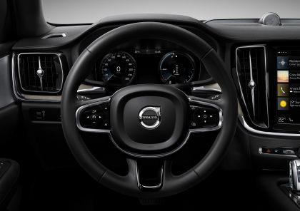 2018 Volvo V60 Cross Country 29