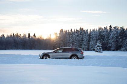 2018 Volvo V60 Cross Country 34