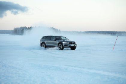 2018 Volvo V60 Cross Country 35