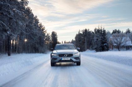 2018 Volvo V60 Cross Country 37