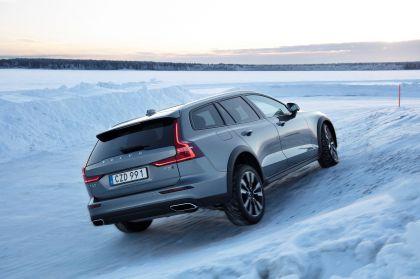 2018 Volvo V60 Cross Country 42