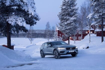 2018 Volvo V60 Cross Country 46