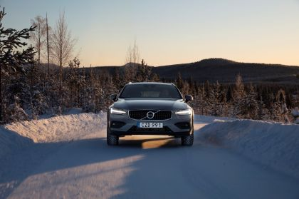 2018 Volvo V60 Cross Country 47