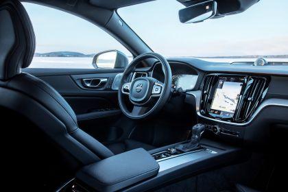 2018 Volvo V60 Cross Country 53