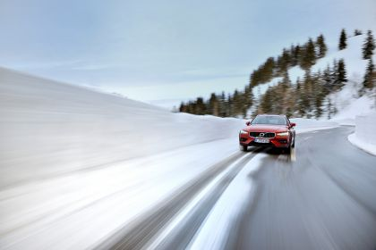 2018 Volvo V60 Cross Country 68