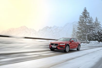 2018 Volvo V60 Cross Country 82