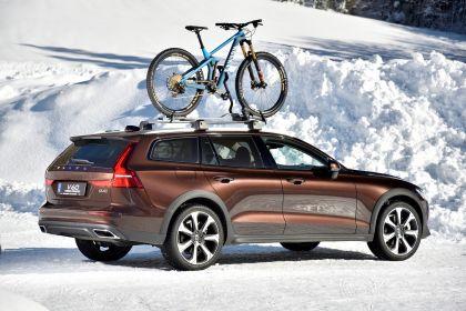 2018 Volvo V60 Cross Country 98