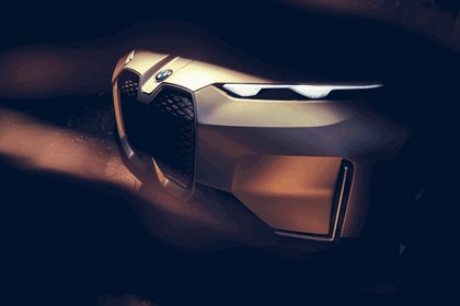2018 BMW Vision iNEXT 17