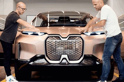 2018 BMW Vision iNEXT 49