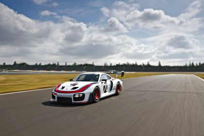 2019 Porsche 935 30
