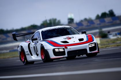 2019 Porsche 935 54